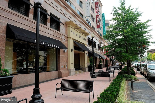 shopping and dining in chevy chase